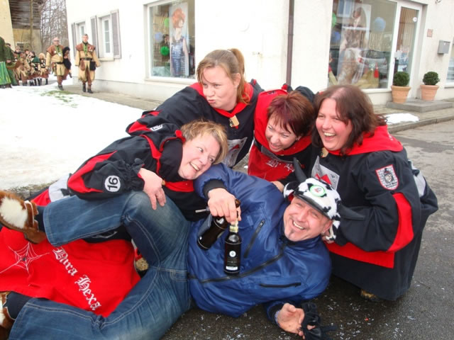 23_ Ratzenried 2010 Viel Spass auch nach dem Umzug_JPG
